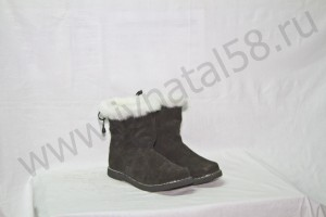 Угги   женские, на  микропоре, голенище -  белая меховая опушка, Союзка -  черный обувной велюр, внутри - овчина. Размер 36-42 Оптовая цена  1 700 рублей
