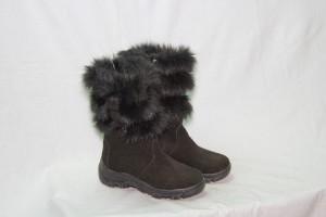 Сапоги      женские,с замком,на литой подошве,голенище -  мех 3 полоски,союзка - обувной велюр,внутри - овчина. Размер 37 - 41 Оптовая цена 1700 рублей