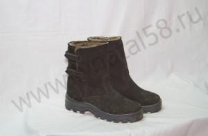 Угги    мужские , на  литой подошве, из черного обувного спилка -велюра, внутри - овчина. Размер 41-47 Оптовая цена 1900 рублей