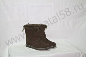 Угги   женские , на  микропоре, голенище - коричневого  меховая опушка, Союзка -  обувной велюр, внутри - овчина. Размер  36-42 Оптовая цена  1 900 рублей