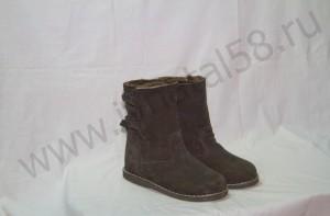 Угги  мужские, на  микропоре,из черного обувного спилка -велюра, внутри - овчина. Размер 41-47 Оптовая цена 1900 рублей