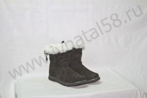 Угги   женские, на  микропоре, голенище -  белая меховая опушка, Союзка -  черный обувной велюр, внутри - овчина. Размер 36-42 Оптовая цена  1 900 рублей