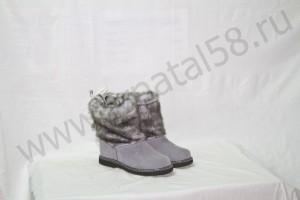 Угги   женские   на  микропоре, голенище - под голубую норку, Союзка -  голубой обувной велюр, внутри - овчина. Размер 36-42 Оптовая цена  1 800 рублей