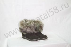 Угги   женские, на  микропоре, голенище -  под чернобурку, Союзка -  черный обувной велюр, внутри - овчина. Размер 36-42 Оптовая цена  1 800 рублей