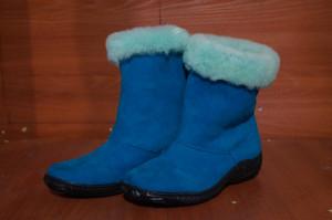 Угги женские,микропора,голенище - голубого цвета, союзка - синий спилок - велюр, Размер 36-42 Оптовая цена  1 800 рублей