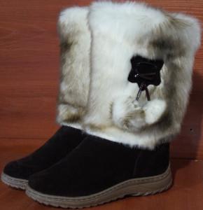 Унты женские  , литье, голенище - под тигра, союзка – кочичневый обувной велюр, внутри - овчина. Размер 36 - 42 Оптовая цена 1 500 рублей