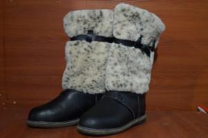Унты мужские    высокие, на войлоке, голенище - овчина Союзка – кожа КРС, внутри - натуральный мех (овчина). Размер 40 - 47  по оптовым цене 2400 рублей