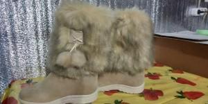 Унты женские литье,голенище - мех под еноту, союзка - бежевый список - замка, цена 1 400рублей. 37по 41